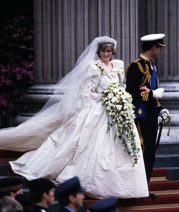 Princess Diana | Princess Diana\'s Wedding Gown | Royal Wedding Gown